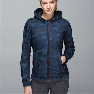 Lululemon Camo Blue Puffer Coat hooded Sz 8